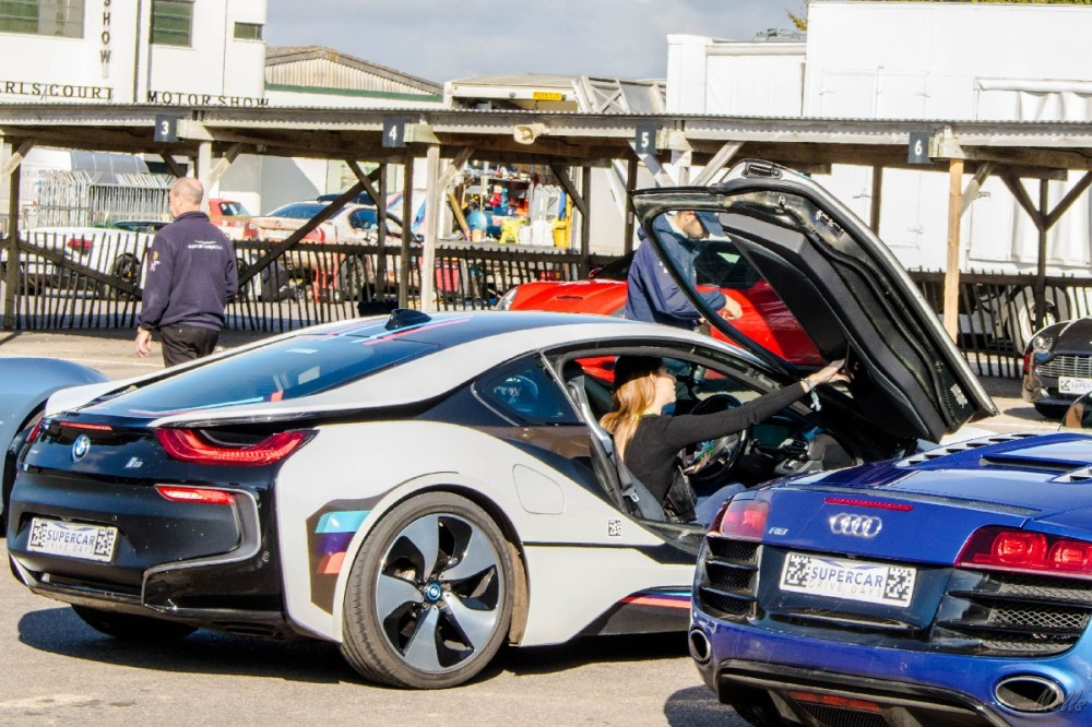 supercar driving experience bmw i8 hybrid
