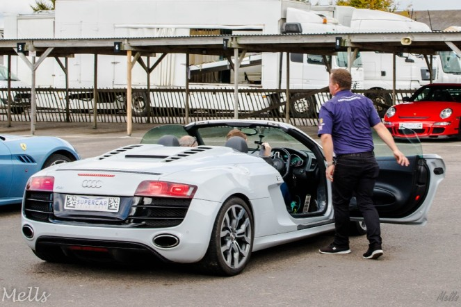 supercar driving experience audi r8 v10